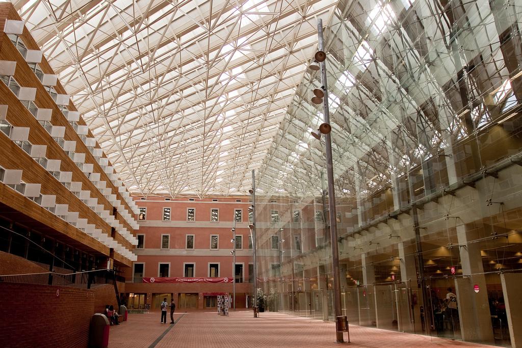 Aterratge al Campus de la Ciutadella del grau en Industrial Technologies and Economic Analysis